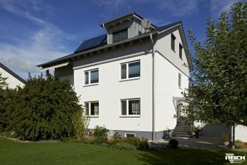 Morbitzer – Aufstockung ZFH mit Doppelgarage in Brettsperrholz – Bauweise (LENO)